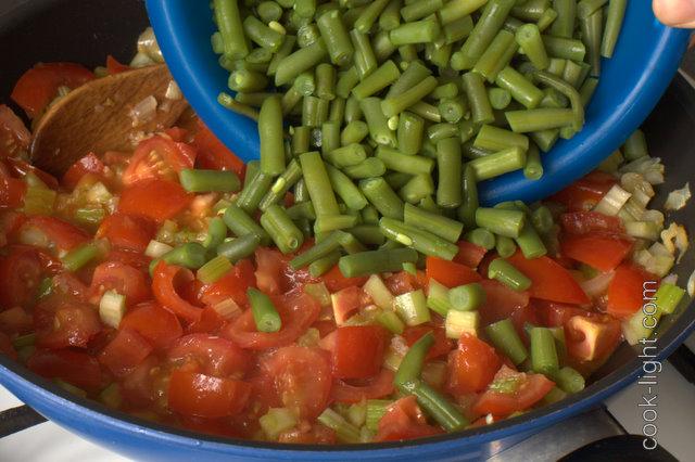 в томатный соус добавить фасоль