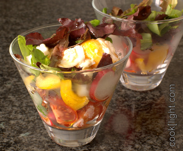 салат весенний в стаканчике