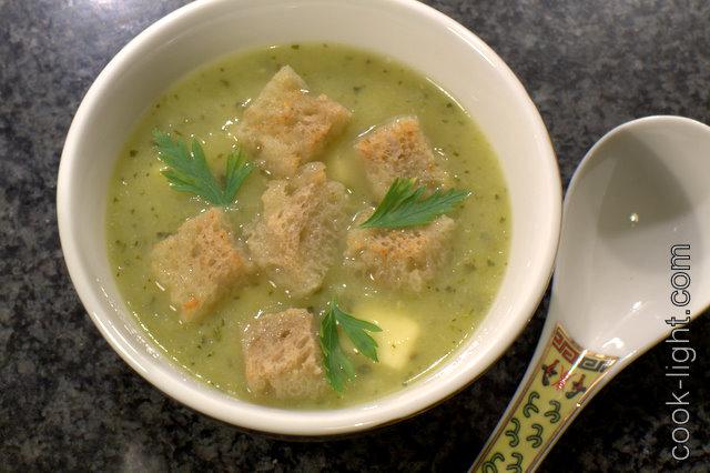 суп из кабачков с козьим сыром