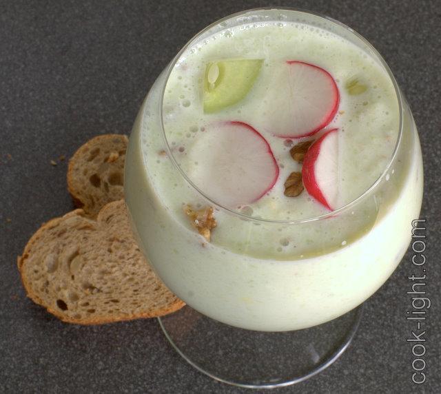 холодный суп из огурцов с йогуртом